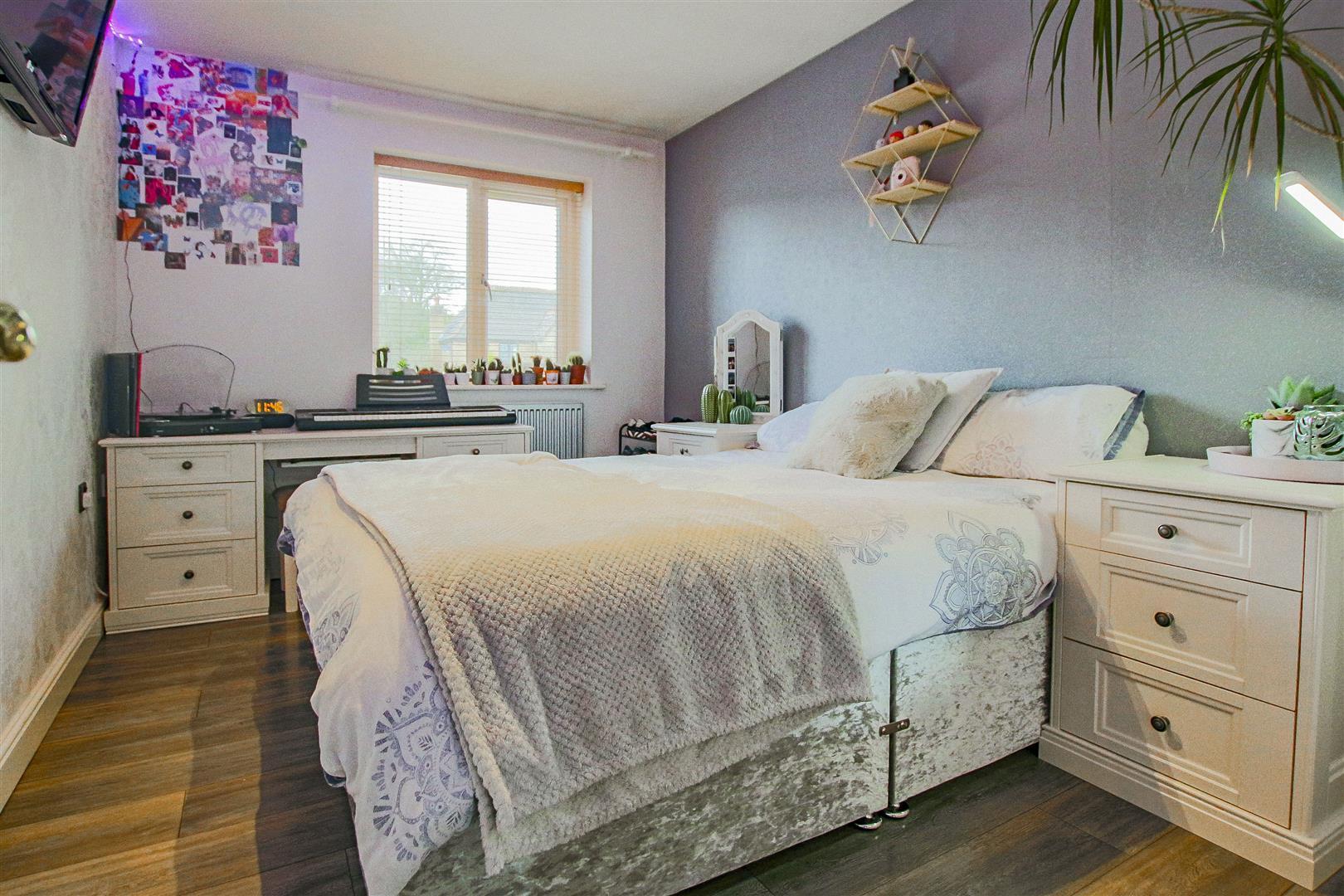 4 Bedroom Detached House For Sale - redwing31777.JPG